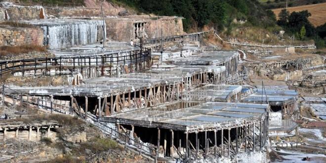 Valle-Salado-de-Salinas-de-Añana-660x330